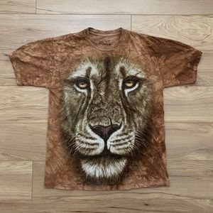 "🦁 2011 Wildlife ""Lion"" Tee (Sz M)"
